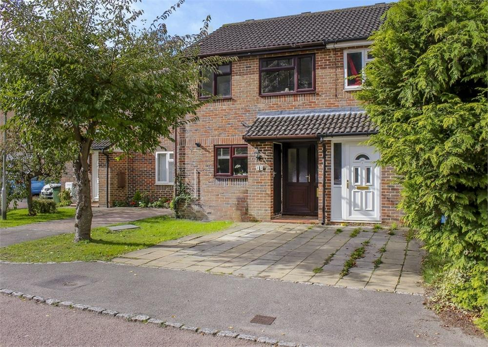 3 Bedrooms Terraced House for sale in Bruton Way, Forest Park, Bracknell, Berkshire