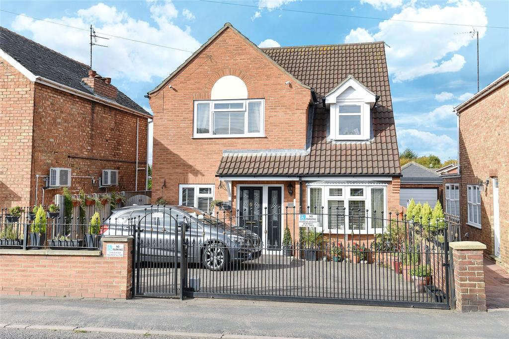 4 Bedrooms Detached House for sale in Bourne Road, Spalding, PE11
