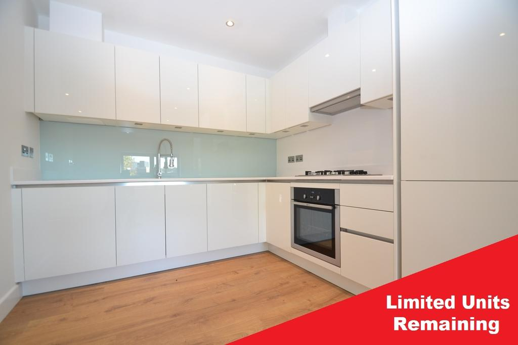 2 Bedrooms Flat for sale in Robert Square Lewisham SE13