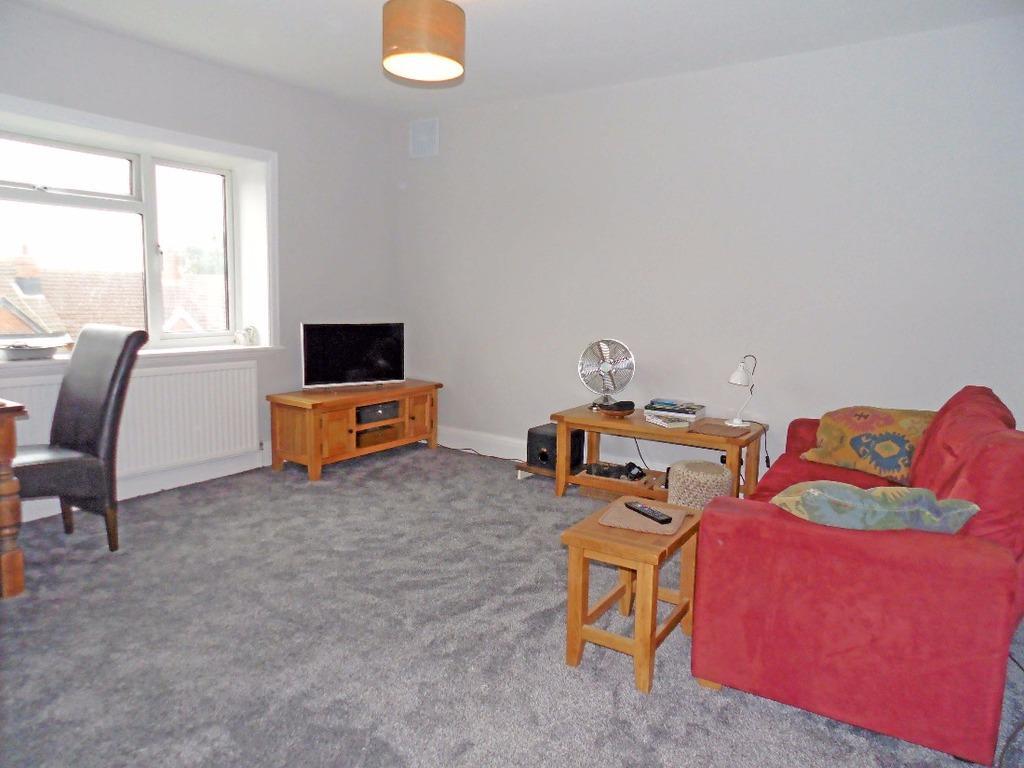 2 Bedrooms Flat for sale in Carlton Terrace Portslade East Sussex BN41