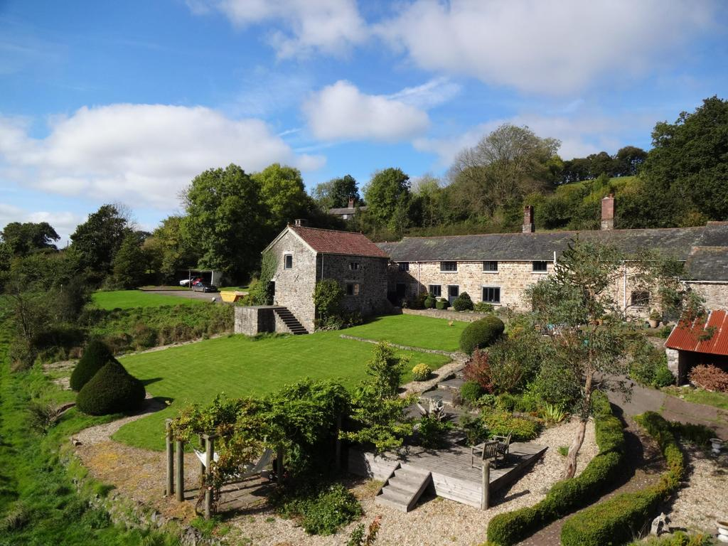 4 Bedrooms Detached House for sale in Cove, Tiverton