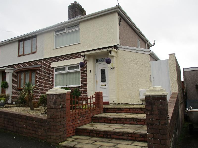 3 Bedrooms Semi Detached House for sale in Albion Road, Baglan, Port Talbot, Neath Port Talbot.