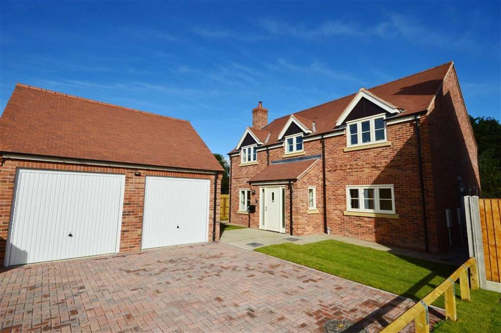 4 Bedrooms Detached House for sale in 2, Hamlyn Place, Kingsland, Herefordshire, HR6