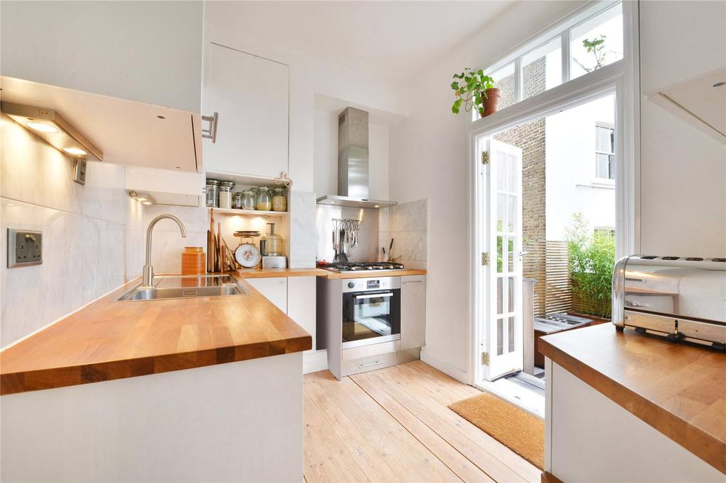 3 Bedrooms Flat for sale in Queens Crescent, Kentish Town, London