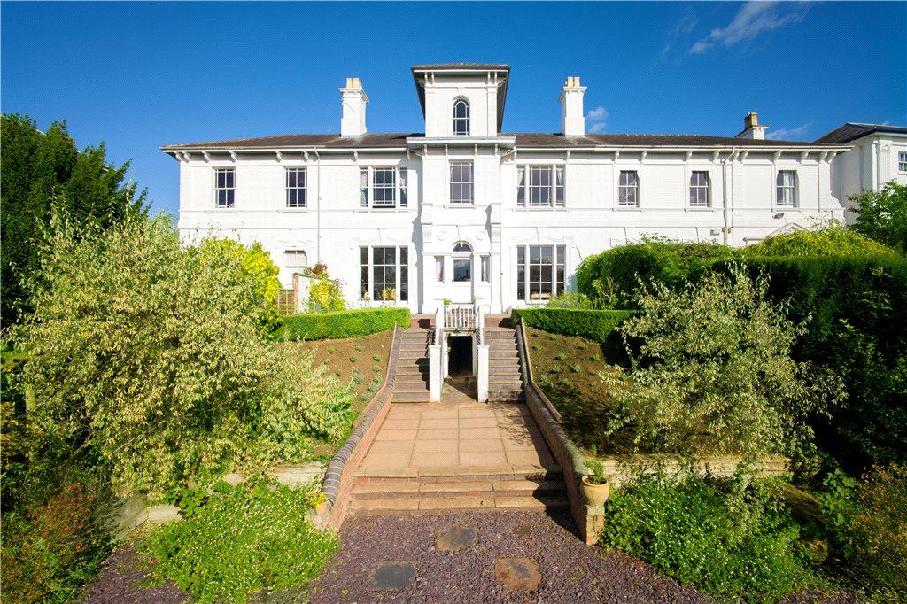 7 Bedrooms Terraced House for sale in Lansdowne Crescent, Worcester, Worcestershire, WR3