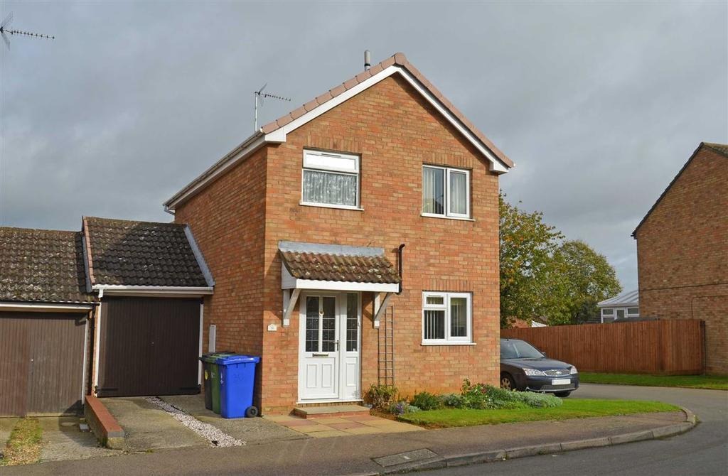 3 Bedrooms Detached House for sale in Windsor Close, Towcester