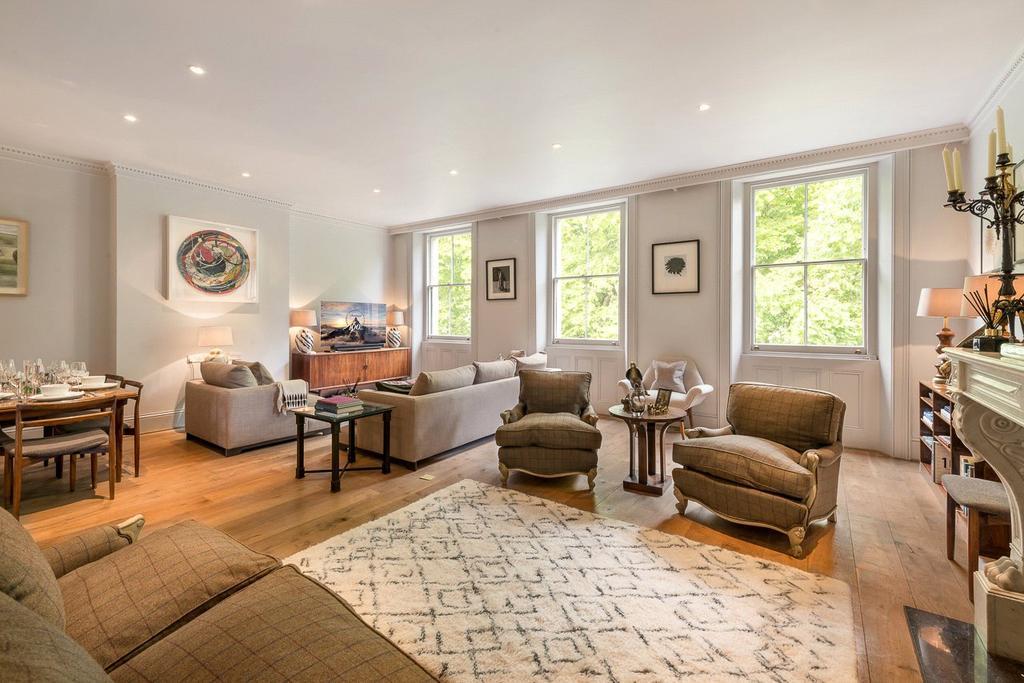 2 Bedrooms Flat for sale in Ennismore Gardens, Knightsbridge, London, SW7