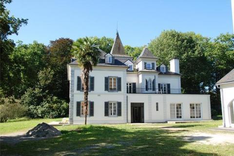 20 bedroom house  - Jurancon, Pyrenees Atlantiques, South West France