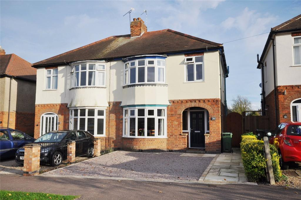 3 Bedrooms Semi Detached House for sale in Parklands Drive, Loughborough, Leicestershire