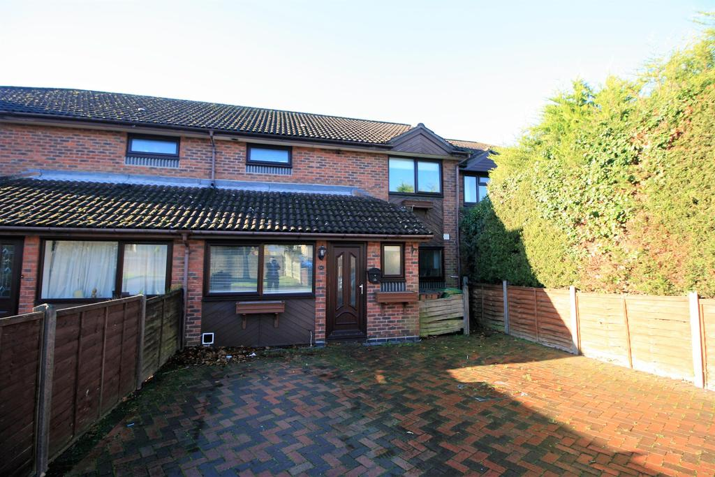 3 Bedrooms House for sale in New Road, Netley Abbey, Southampton, SO31 5BS