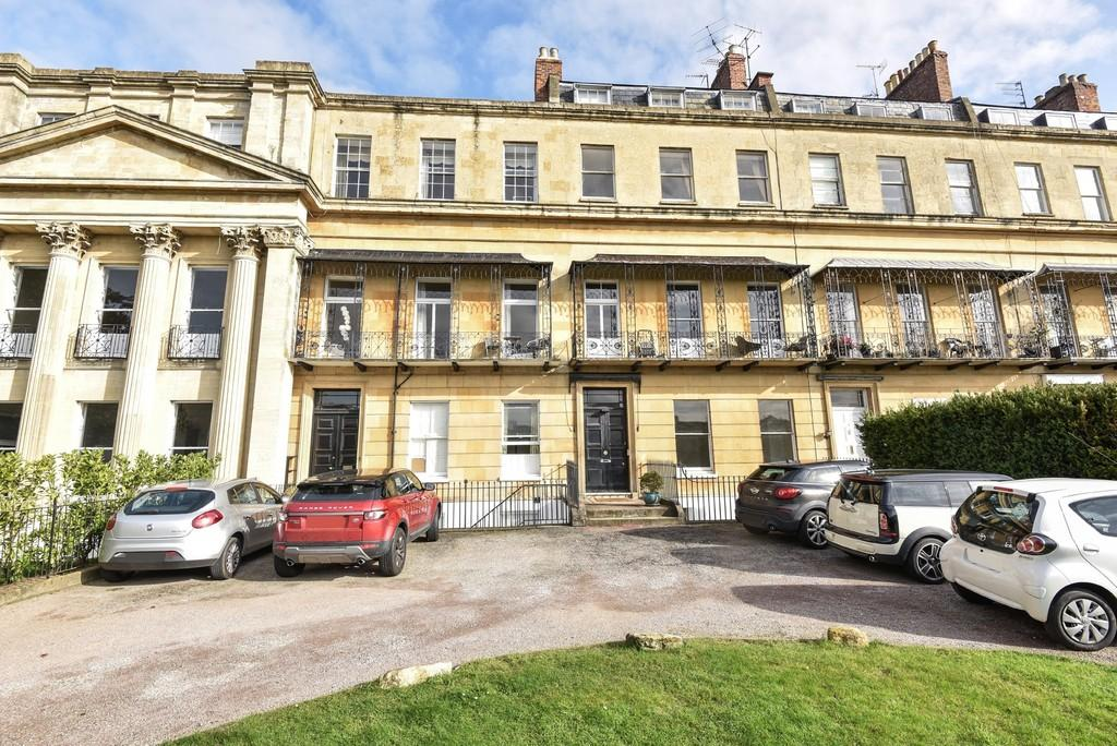 1 Bedroom Apartment Flat for sale in Suffolk Square