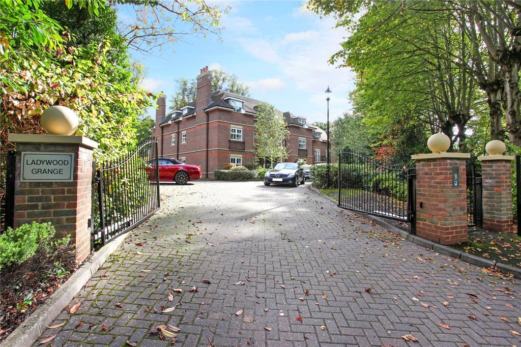 2 Bedrooms Flat for sale in Ladywood Grange, Lady Margaret Road, Ascot, Berkshire, SL5