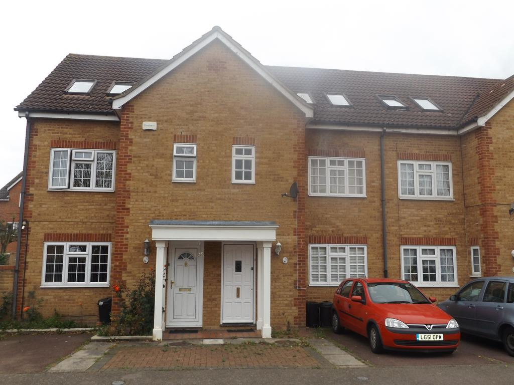 4 Bedrooms Terraced House for sale in Wilkins Close, Mitcham CR4