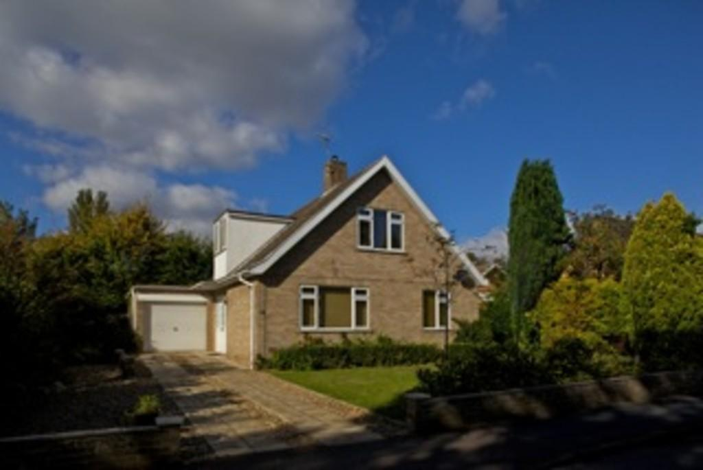 3 Bedrooms Detached Bungalow for sale in Greenways, Eaton