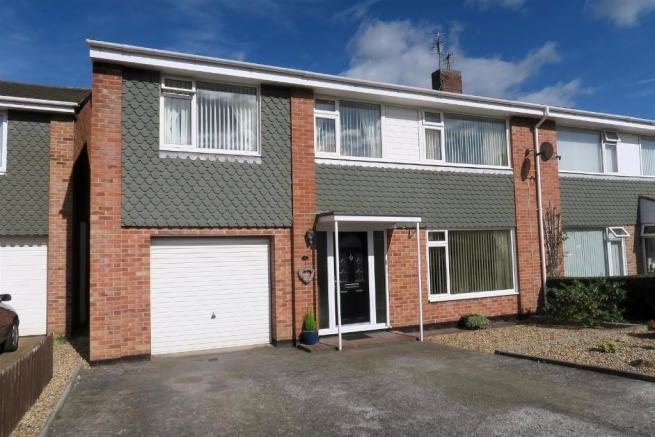 4 Bedrooms Semi Detached House for sale in Blackbrook Road, Taunton TA1