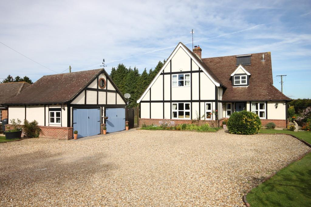 4 Bedrooms Detached House for sale in FIRS ROAD, FIRSDOWN, SALISBURY, WILTSHIRE, SP5 1SF
