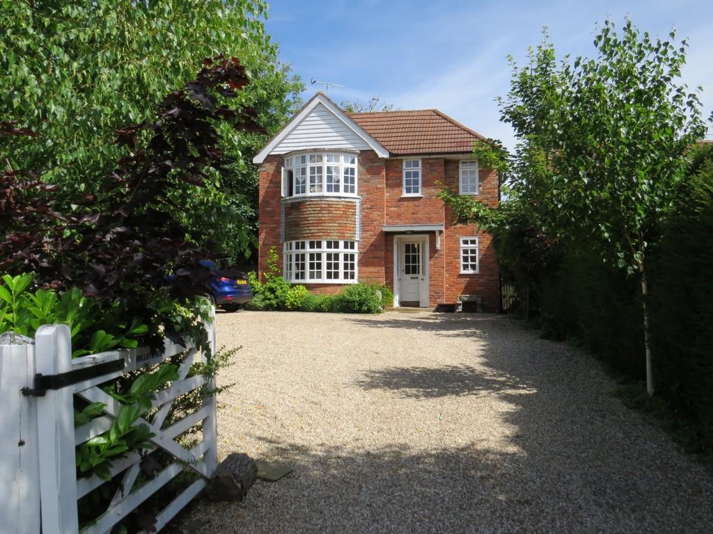 4 Bedrooms Detached House for sale in Millstones, Main Street, Peasmarsh TN31 6YA