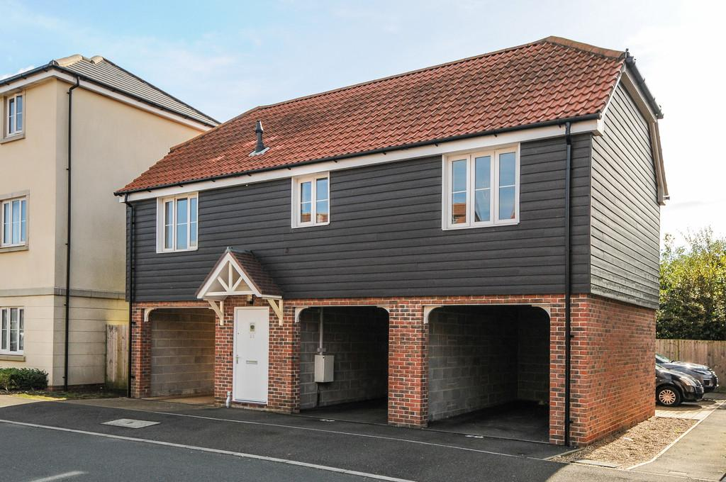 2 Bedrooms Link Detached House for sale in Whyke Marsh, Chichester