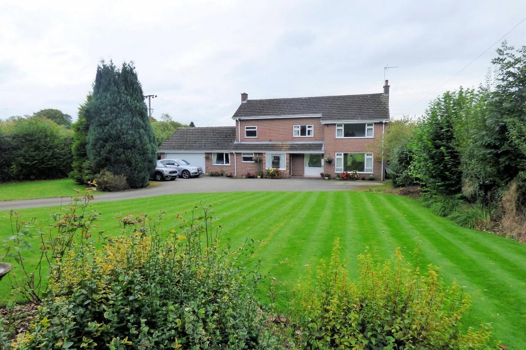 4 Bedrooms Detached House for sale in Uttoxeter Road, Alton