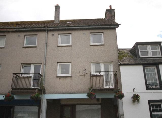 3 Bedrooms Flat for sale in Flat 1, 65 Chalmers Street, Ardrishaig, PA30 8DX