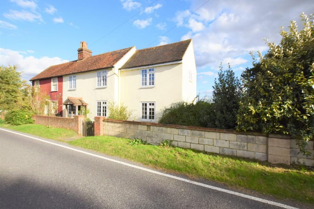 3 Bedrooms Semi Detached House for sale in Broad Road, Wickham St. Paul, Halstead CO9 2PG
