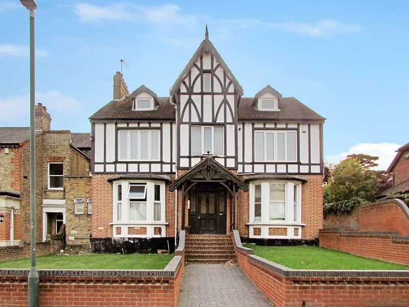 2 Bedrooms Apartment Flat for sale in 234 Upton Road South, Bexley
