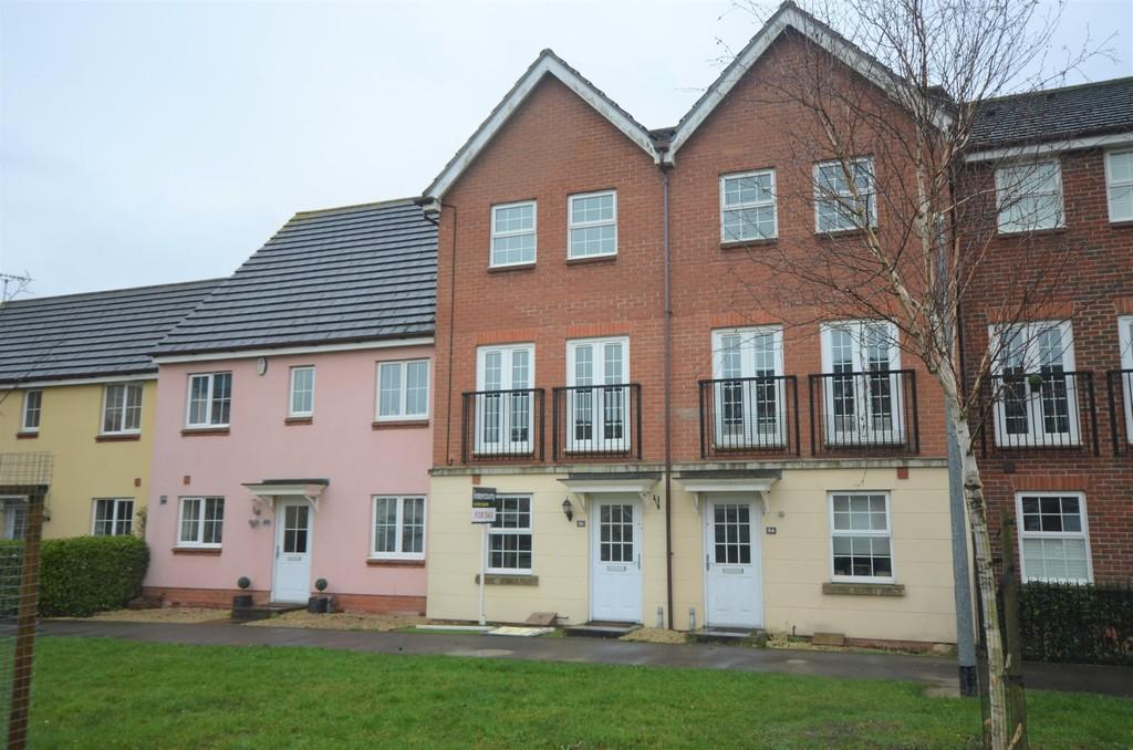 3 Bedrooms Town House for sale in Braiding Crescent, Braintree