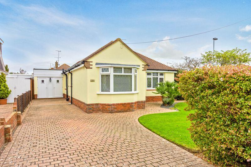 5 Bedrooms Detached House for sale in Terringes Avenue, Worthing