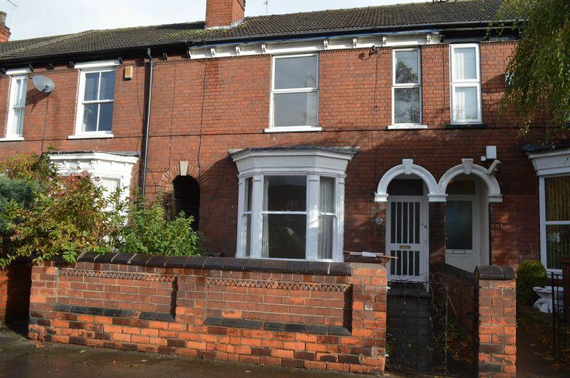 4 Bedrooms Town House for sale in Carholme Road, Lincoln