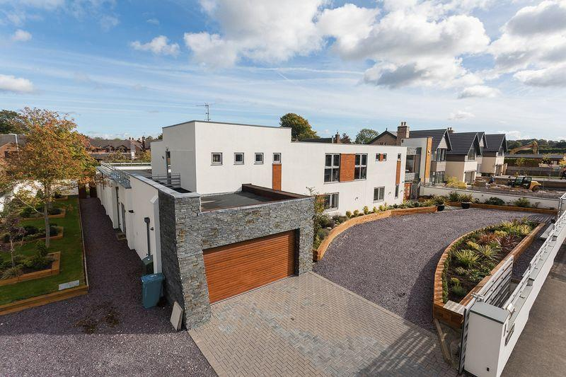 5 Bedrooms Detached House for sale in Fabulous 6000 square foot contemporary detached house at Cliff Lane, Grappenhall