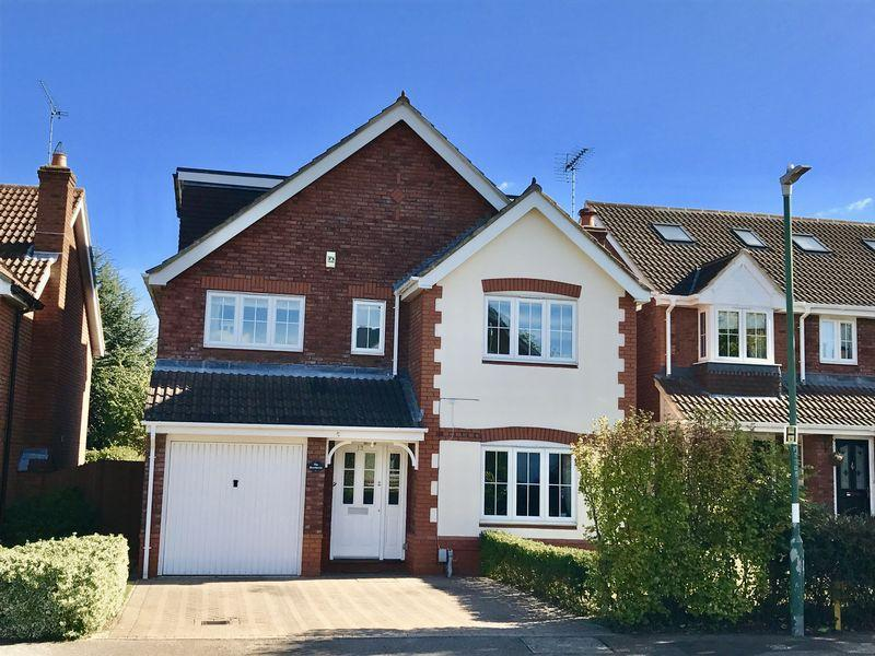 5 Bedrooms Detached House for sale in Taylor Row, Wilmington