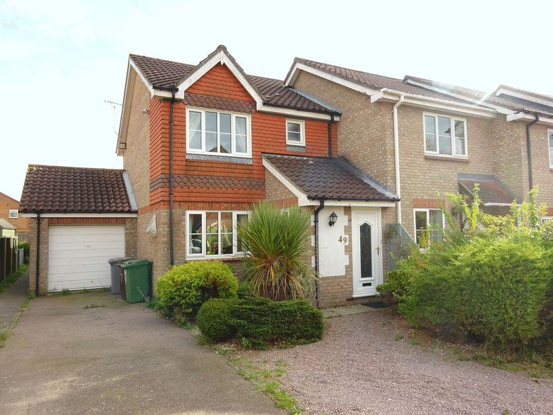 3 Bedrooms Semi Detached House for sale in Radcliffe Road, Drayton, Norwich.