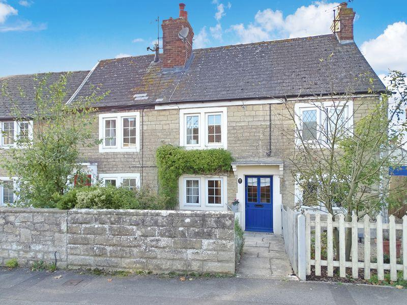 2 Bedrooms Cottage House for sale in Woodrow Road, Melksham