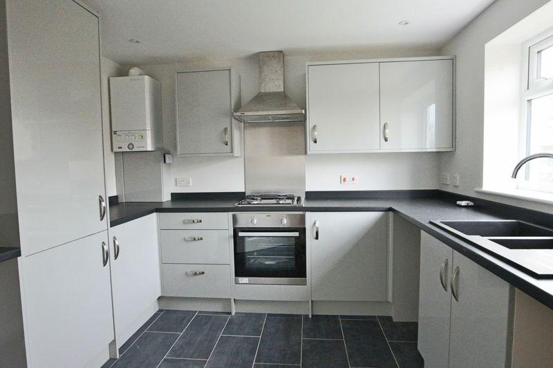 3 Bedrooms End Of Terrace House for sale in Briarwood Road, Lowestoft