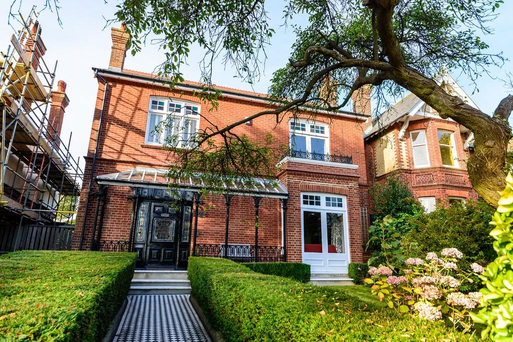 5 Bedrooms Detached House for sale in Harrington Road, Brighton, BN1