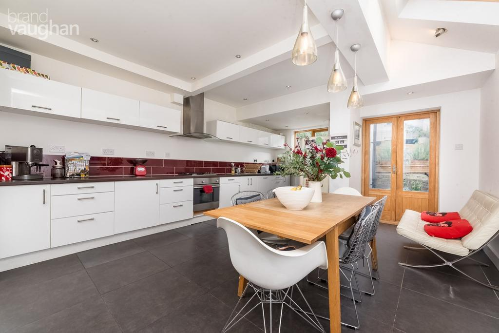 5 Bedrooms End Of Terrace House for sale in Herbert Road, Brighton, BN1