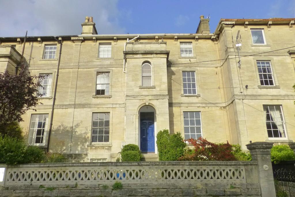 2 Bedrooms Maisonette Flat for sale in St Margarets Street, Bradford on Avon