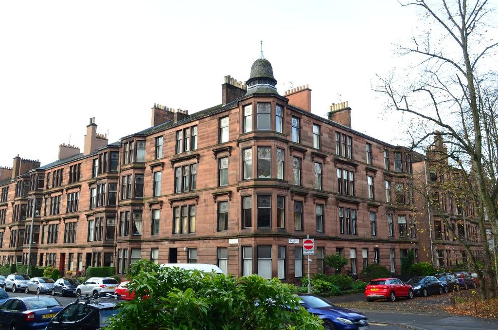 4 Bedrooms Flat for sale in Queensborough Gardens, Flat 2/2, Hyndland, Glasgow, G12 9PW