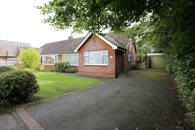 3 Bedrooms Semi Detached Bungalow for sale in Grangefield, Longton
