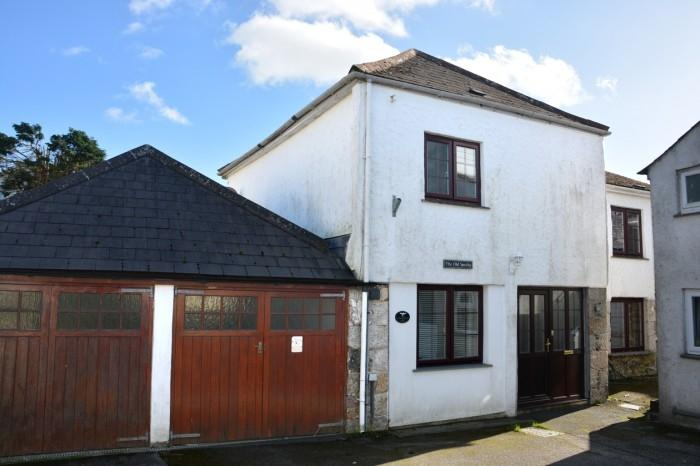 4 Bedrooms Town House for sale in THE OLD SMITHY, MULLION, TR12
