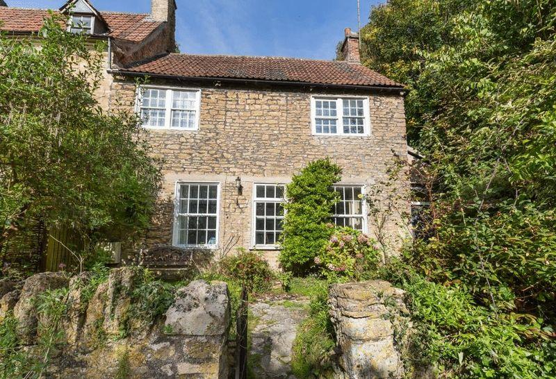 2 Bedrooms Terraced House for sale in Willow Vale, Frome