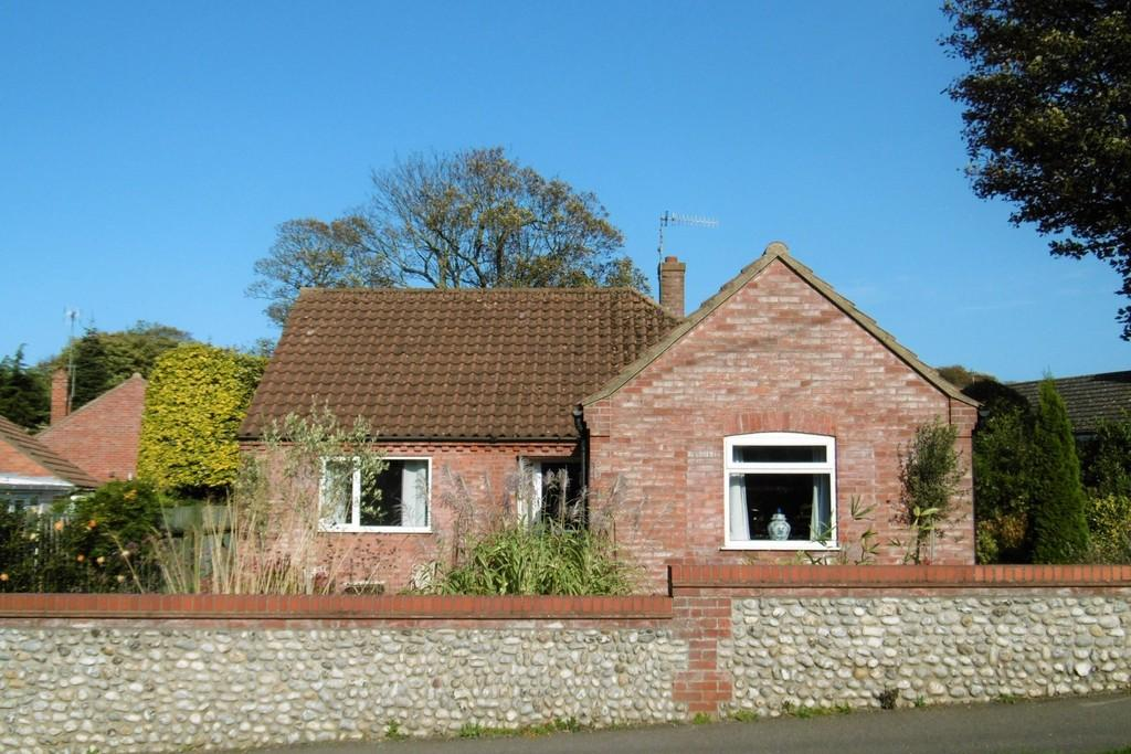 3 Bedrooms Detached Bungalow for sale in Weybourne