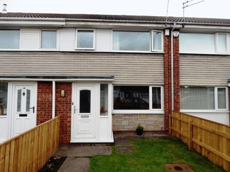 3 Bedrooms Terraced House for sale in Addington Drive, South Beach, Blyth