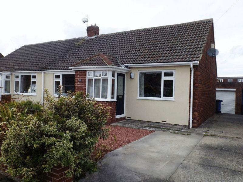 2 Bedrooms Bungalow for sale in Westfield, Morpeth