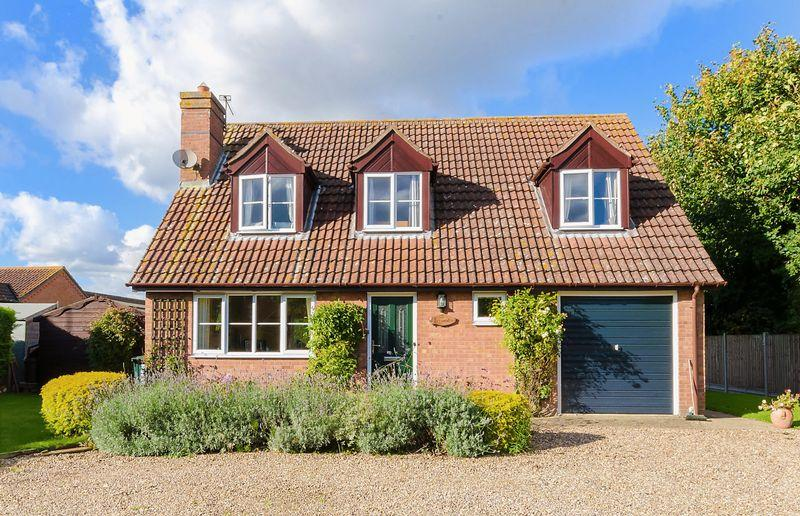 3 Bedrooms Detached House for sale in The Green, Mareham Le Fen