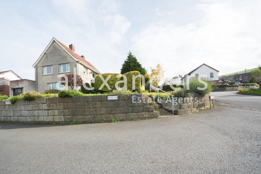 4 Bedrooms Detached House for sale in Rhydyfelin
