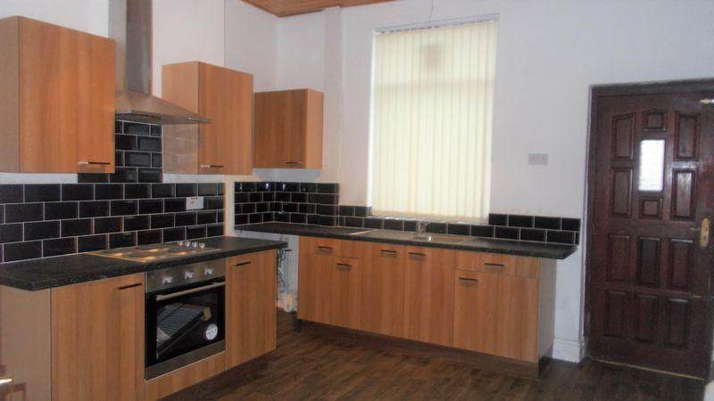 3 Bedrooms Terraced House for sale in Albert Street, Oldham
