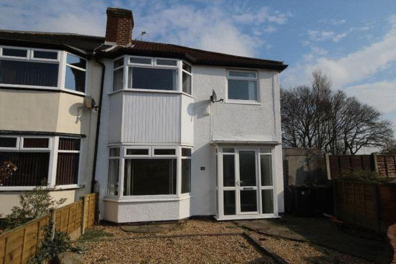 3 Bedrooms Semi Detached House for sale in 75 Sandbrook Road, Southport