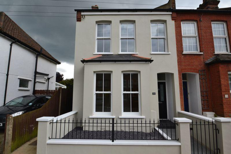 4 Bedrooms Terraced House for sale in Godwin Road, Bromley
