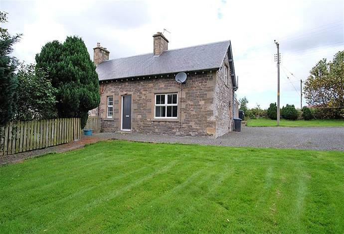 3 Bedrooms Semi Detached House for sale in 1 Hassendean Farm Cottages, Hawick, TD9 8PU